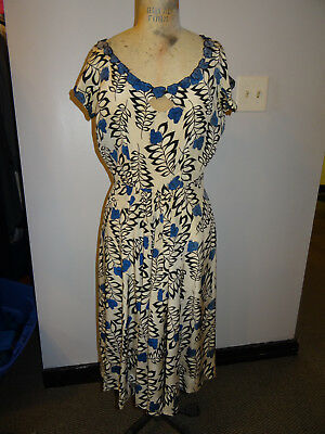 Late 1950's Flower Pattern Silk Dress w/ Cap Sleeves, Embroidered Flower Accents