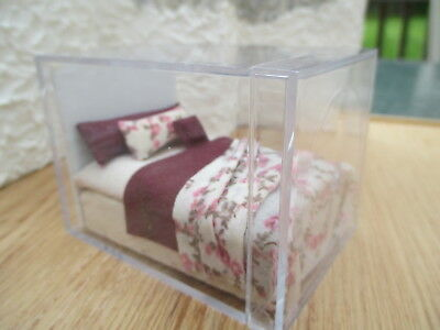 """Dollhouse Miniatures ~ 1/2"""" Scale ~ Bed w/Floral Patterned Bedding & Headboard"""