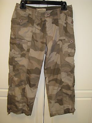 1541313de97 Natural Reflections Tan Green Camouflage Cotton Crop Capri Pants Size 2