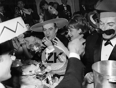 LUCHINO VISCONTI Fête ROMY SCHNEIDER Joie Chapeau Photographe WIBSKOV Photo 60s