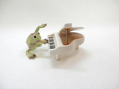 Vintage Hagen Renaker Miniature White Piano and Player Frog Adorable