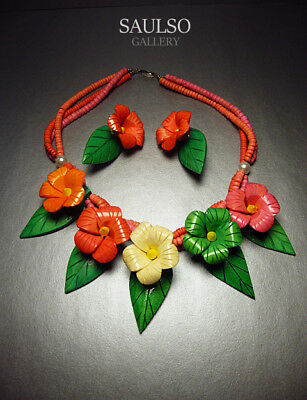 WONDERFUL VINTAGE LATE 1960's Mod flower necklace with matching earrings