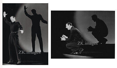 YVES MONTAND 2 Photos One man show Music-Hall 1963
