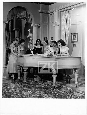 MAURICE CHEVALIER Filles Piano Tournage Ed. QUINN 1954