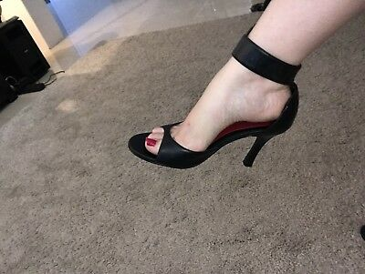 Chinese Laundry Size 7 Black Strappy Heels
