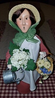 Byers Choice Carolers Woman Gardener W/ Flower Pot Basket And Watering Can  2003