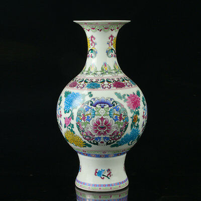 Chinese Porcelain Hand-Painted Flower Vase Mark As The Qianlong Period R1017