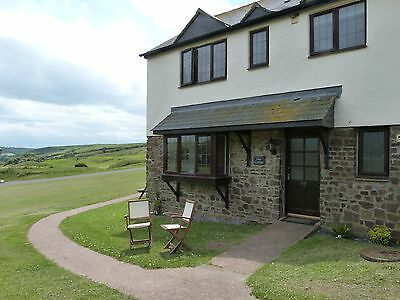 Luxury Cottage in 100 acres. WiFi  Sat TV Woolacombe Devon. July Dates