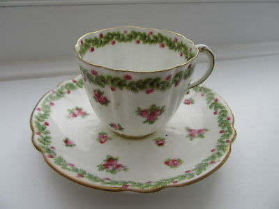 George Jones/Crescent & Sons,Cabinet Cup and Saucer, Ribbed/Wavy Body,Circa 1900