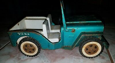 VINTAGE 1960's TONKA TOYS - MOUNDJEEP Green Pressed Metal Rolling Car