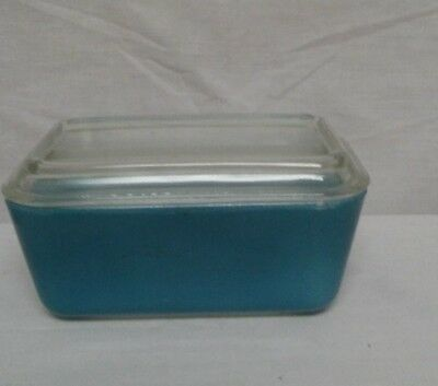 Vintage Pyrex Refrigerator Dish With Lid