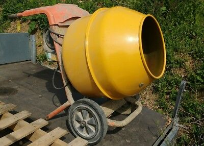 L@@K - Portable Cement Mixer - BELLE 110V Mini Mix 150 !!