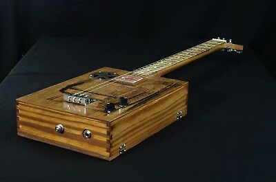 Cigar Box Guitar 3-Saiter, mag. Flat-Pickup, Steamboat Finish