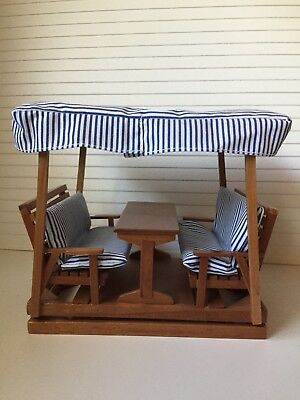 Dollhouse Miniatures Garden Glider with Canopy & Table, 1:12