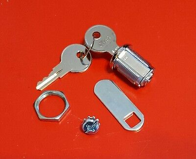 RUBBERMAID Lock and Key For Janitor Cart