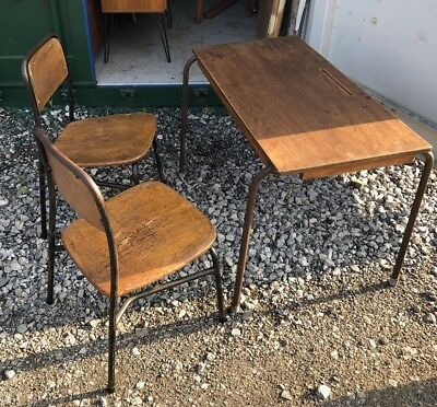 Vintage CHILDS Industrial MID CENTURY wood & metal old SCHOOL table DESK chairs