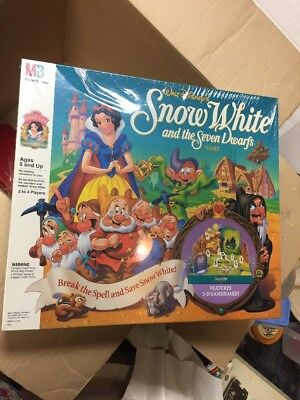 Still In Plastic WALT DISNEY'S SNOW WHITE & The SEVEN DWARFS Board Game. 4339.