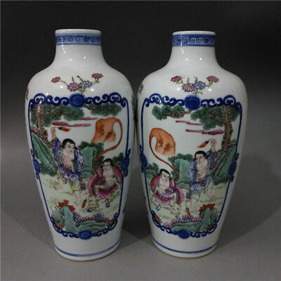 Beautiful Chinese Antique Famille Rose Porcelain Figure Vase