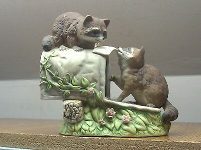 """Nice Masterpiece Porcelain Homco 1987  Love Letter Racoons On Mailbox Figure 6"""""""