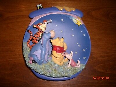 """Pooh's Hunnypot Adventures """"Friendship Makes a Star Shine Brighter"""" 3D Plate"""