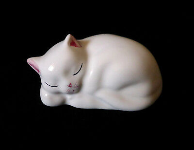 "ITALY Vintage 3.5"" porcelain pottery figurine cute SLEEPING CAT ornament figure"