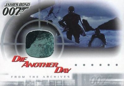 James Bond Die Another Day Expansion Set Wetsuit Costume Card AC2