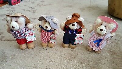 Wendy's 1986 Set of 4 Furskin Bears Holiday Special with Tags