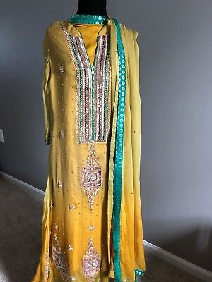 Pakistani dresses for women, pre-owned, great condition, small size