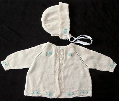 vintage 1950s baby sweater+bonnet J. Wanamaker Redleaf, made in England, wh/blue