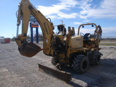 """2001 Vermeer RT700 60"""" Trencher, with backhoe, 4wd, Diesel 4,500 hrs 8550 RT850"""