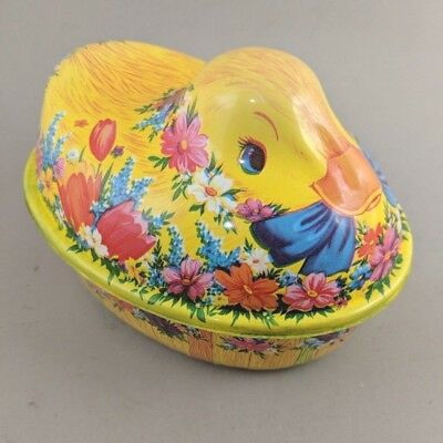Vintage Easter Duck Container Plastic Candy Basket Spring Decor 7 Inch Yellow