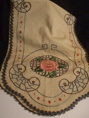 Table Runner Rose Pattern Embroidered Arts Crafts Textile Linen 43 x 15 Inch