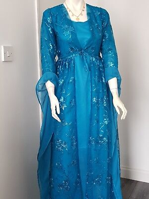 A BEAUTIFUL KURDISH dress full set size is 10to12 it\'s with ...
