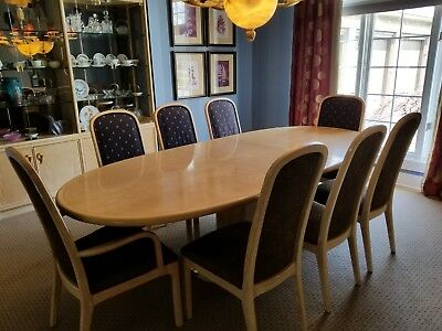 Excellent Condition Century Dinning Room Set.