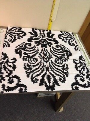 1 of a lot of 2 Ethan Allen Pillow Covers