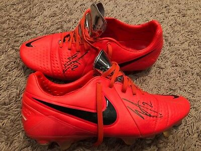 Game Used Memorabilia Sports Mem, Cards & Fan Shop Game Used Worn Soccer Cleats And Goalie Gloves Worn By Tim Howard Mls Jersey Usa Latest Technology