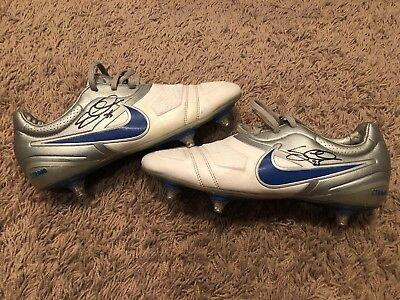 Game Used Worn Soccer Cleats And Goalie Gloves Worn By Tim Howard Mls Jersey Usa Latest Technology Sports Mem, Cards & Fan Shop Game Used Memorabilia