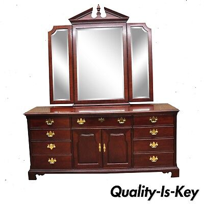 Thomasville Mahogany Collection Chippendale Style Long Dresser and Triple Mirror