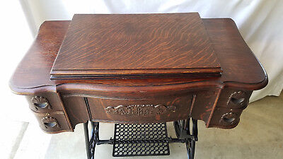 1915/16 White Family Rotary Treadle Sewing Machine in 4-Drawer Tiger Oak Cabinet