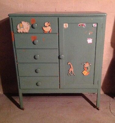 Lullabye baby nursery wood dresser wardrobe 1950s vintage green animals, WNY p/u