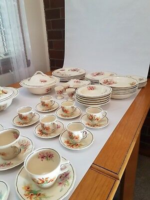 """Superb Royal Doulton """"Orchid"""" Dinner Ware D5215"""