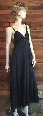 Vintage Miss Elaine Black Size Large Sweep Nightgown 0546A
