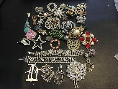 Large Lot Of Vintage jewelry,some for repurpose G8