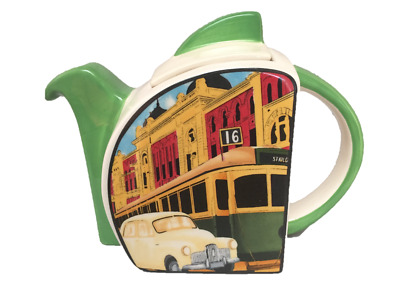 Souvenir Melbourne Teapot in the Art Deco 1930's Style