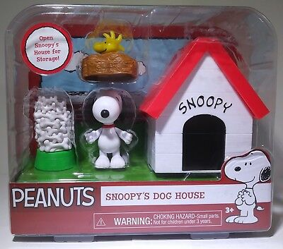 New Just Play 2015 Peanuts Snoopy's Dog House Snoopy & Woodstock Figure Set