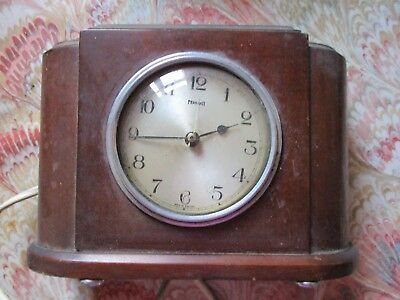 Vintage Bakelite/Plastic  Ferranti mantle clock  for parts/spares