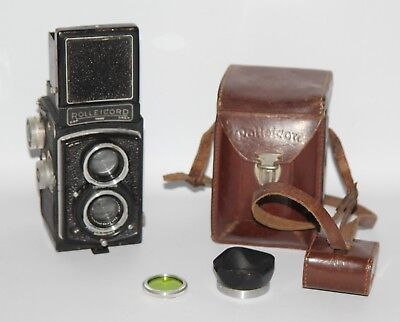 Rolleicord IIc Model 4 - c1948 TLR Camera with Triotar 75mm f/3.5 Lens in Case