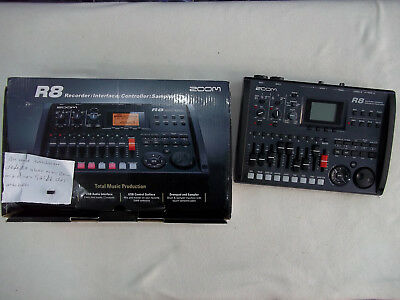 Zoom R-8 | 8-Spur SD Card Recorder R8 refurbished - on-off schalter beschädigt
