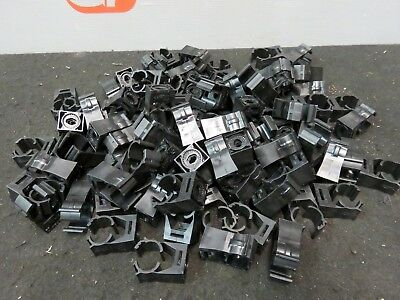 Le Clic 209800-15B Pipe Clamp Hanger Support PVC #15 New Lot of 100