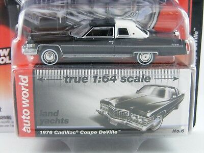 1976 Cadillac Coupé DeVille in schwarz von Auto World in 1/64,Land Yachts Series
